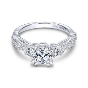 castle-rocks-and-jewelry-gabriel-edlynn-14k-white-gold-cushion-cut-3-stone-engagement-ring-er13900c4w44jj-1