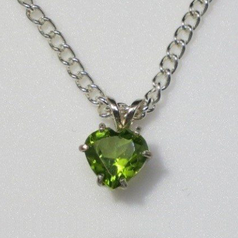 castle-rocks-and-jewelry_5026-peridot-az-heart-sterling-pendant